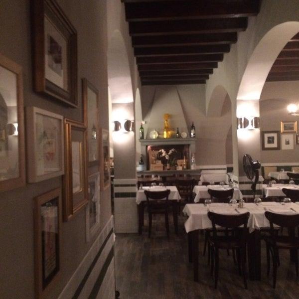 Foto scattata a Trattoria Pizzeria Galleria da Gabriella F. il 7/7/2015