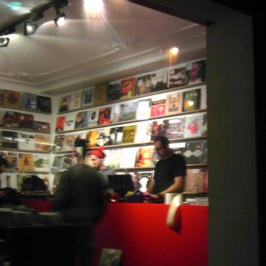 Photo taken at Music Mania by Berten D. on 11/27/2013
