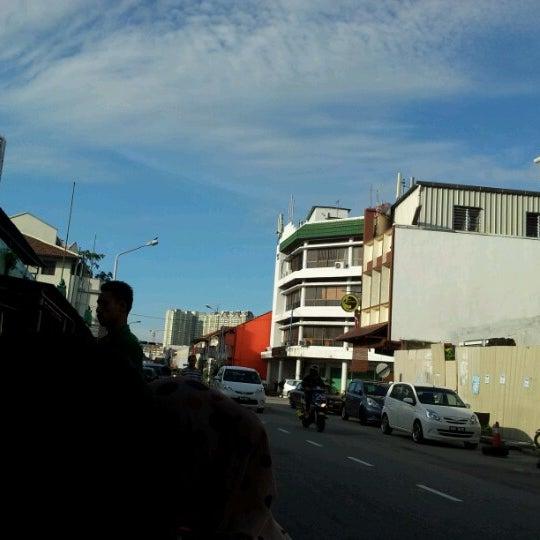 Photo taken at Roti Canai Transfer Rd. by Hani B. on 9/29/2012