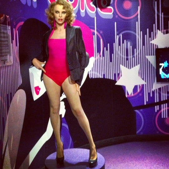 Photo taken at Madame Tussauds by Di L. on 10/24/2012