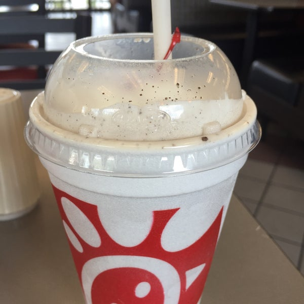 Photo taken at Chick-fil-A Bowie by Roberto B. on 8/1/2015