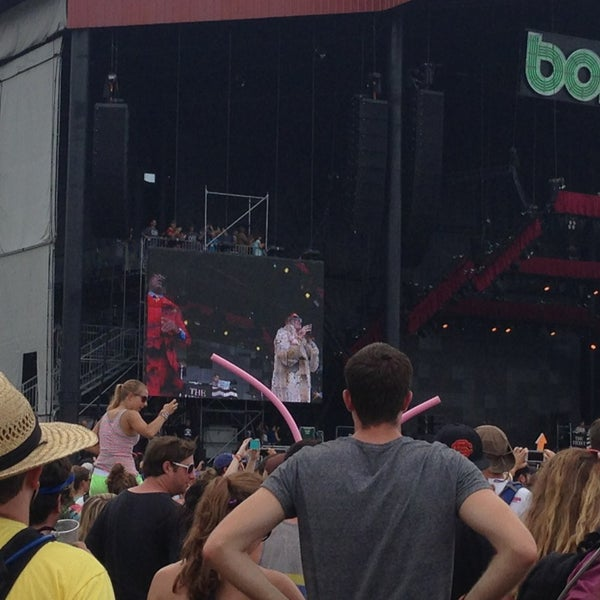 Photo taken at What Stage at Bonnaroo Music & Arts Festival by Jaclyn B. on 6/16/2013
