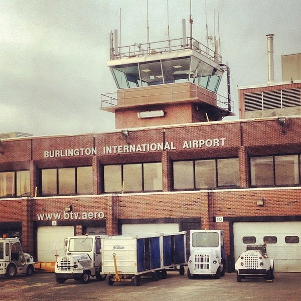 Foto tomada en Burlington International Airport (BTV) por Tonia el 12/7/2012