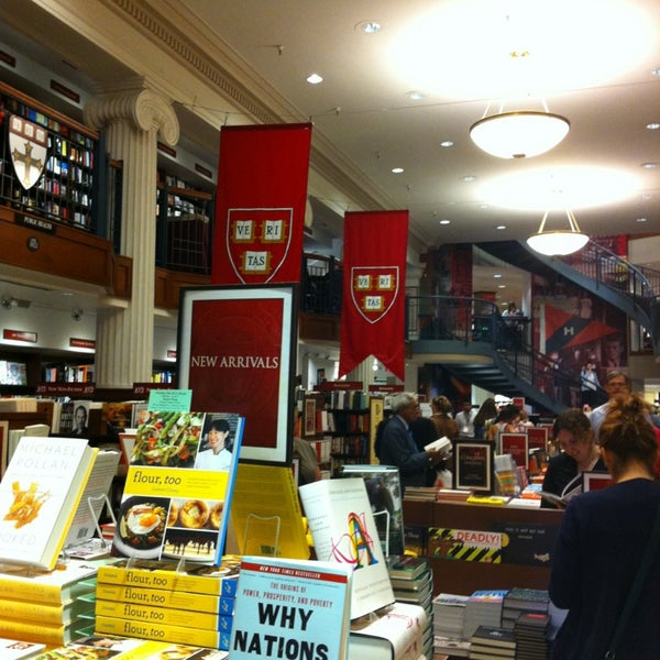 Photo taken at Harvard Coop Society Bookstore by Ayla O. on 5/28/2013