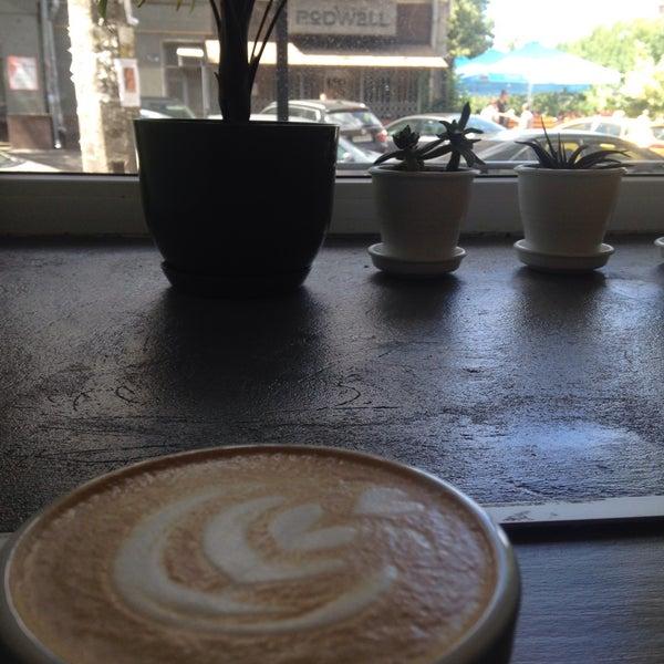 Снимок сделан в First Point Espresso Bar пользователем Olenenok 6/20/2017