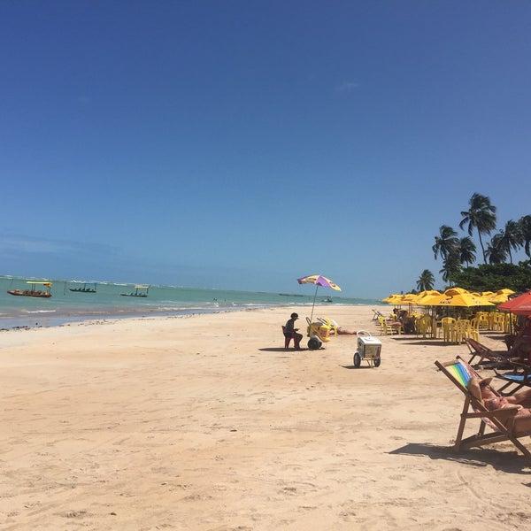 Foto tirada no(a) Praia de São Miguel dos Milagres por Anderson S. em 9/5/2017