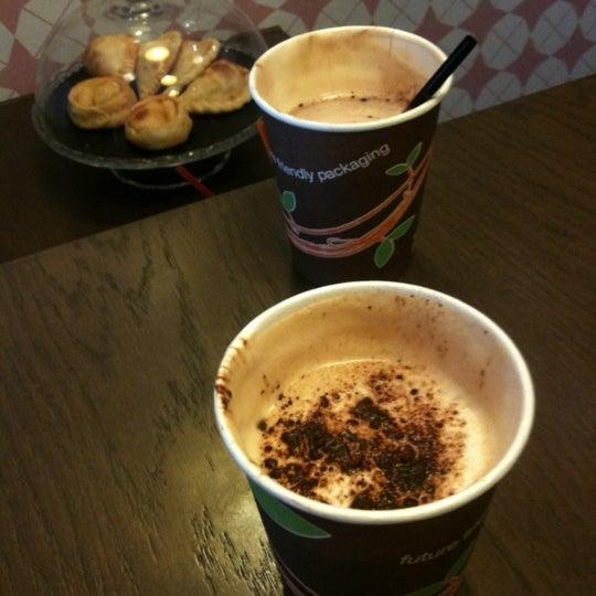 Foto tomada en Bertani Cafe por Noelia A. el 10/29/2012