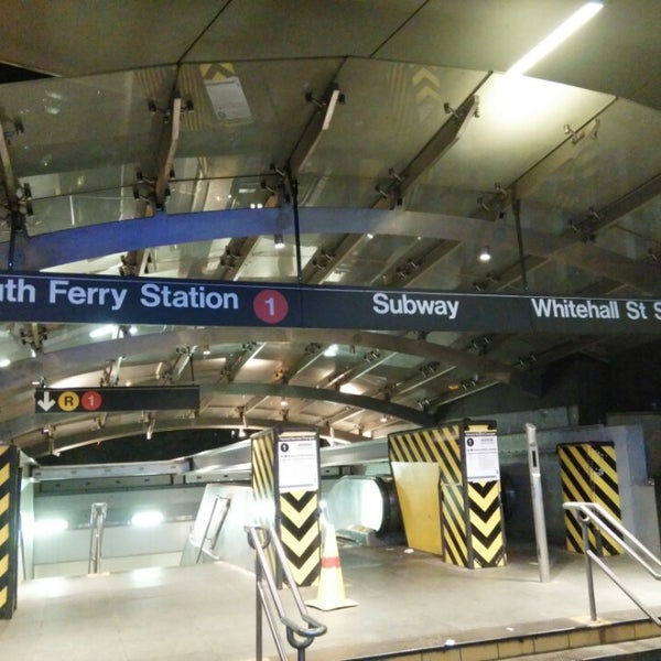 Photo taken at MTA Subway - South Ferry (1) by Fernando O. on 10/11/2015