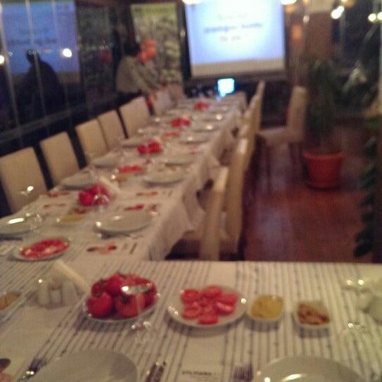 10/21/2014 tarihinde KSTR O.ziyaretçi tarafından Fethiye Yengeç Restaurant'de çekilen fotoğraf