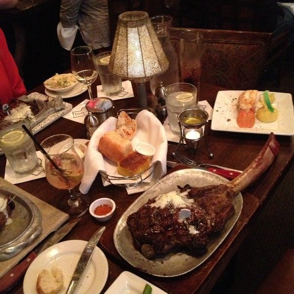Foto tomada en Taste of Texas por Amanda L. el 5/11/2013