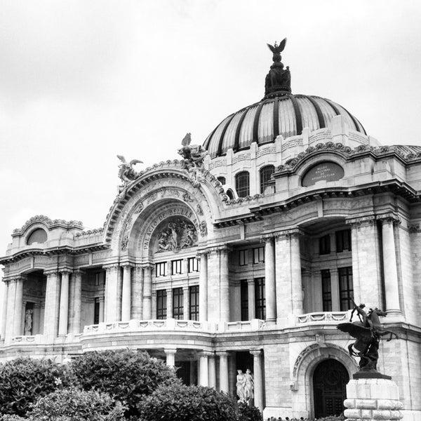 Foto tomada en Palacio de Bellas Artes por Moisés R. el 7/13/2013