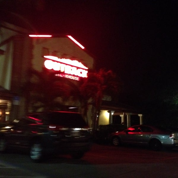 Photo taken at Outback Steakhouse by SooFab on 1/29/2014