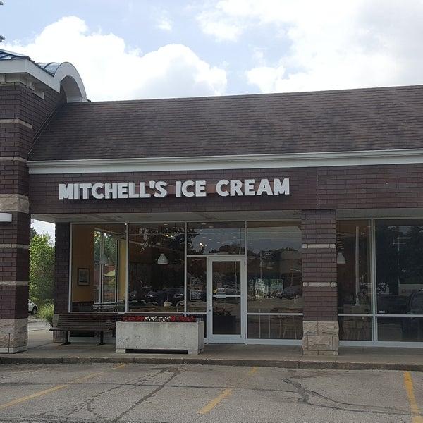 Photo taken at Mitchell's Ice Cream by Rick C. on 6/12/2017