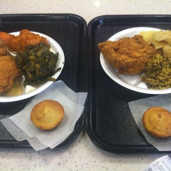 Photo taken at Nana's Soul Food Kitchen by Rashad P. on 1/25/2014