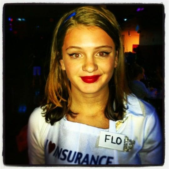 Das Foto wurde bei Skate Town von Jennifer F. am 10/26/2012 aufgenommen