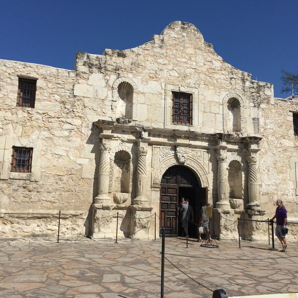 Photo taken at The Alamo by Shari Marie R. on 4/19/2015