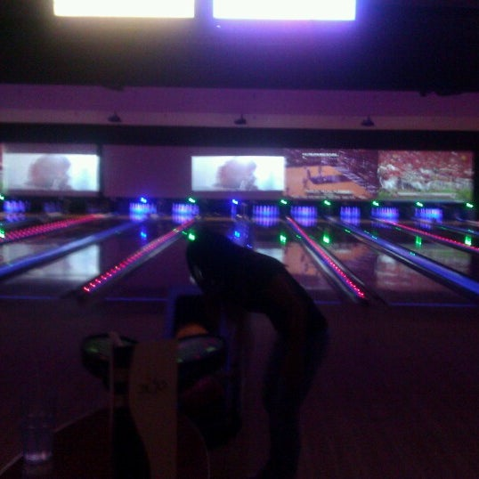 Photo taken at Bowlmor Rockville by Gloria E. on 11/17/2012