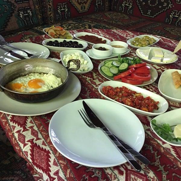 Photo taken at Yavuz'un Yeri by Ebru Ç. on 5/21/2017