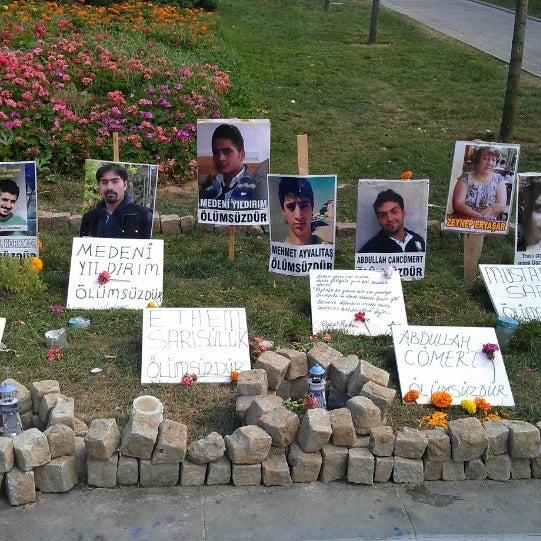 7/18/2013にHüseyin Y.がTaksim Gezi Parkıで撮った写真