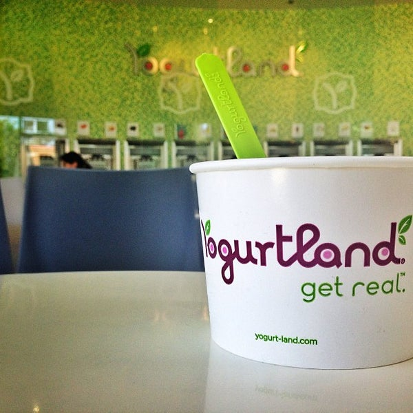 Photo taken at Yogurtland by Jonathan E. on 6/17/2013