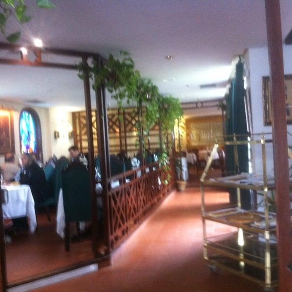 Photo taken at Restaurante El Caballo Rojo by Ignacio G. on 4/5/2014