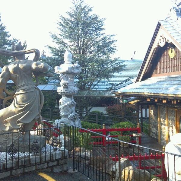 Photo taken at Mt. Fuji Japanese Steak House by Richard G. on 7/23/2013