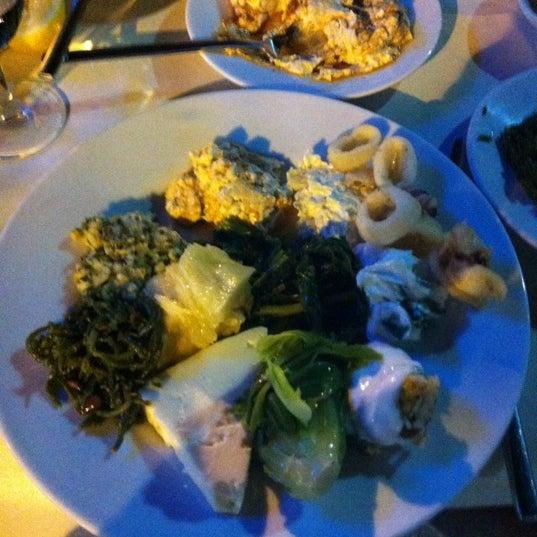 9/15/2012 tarihinde inciziyaretçi tarafından Yengeç Restaurant'de çekilen fotoğraf