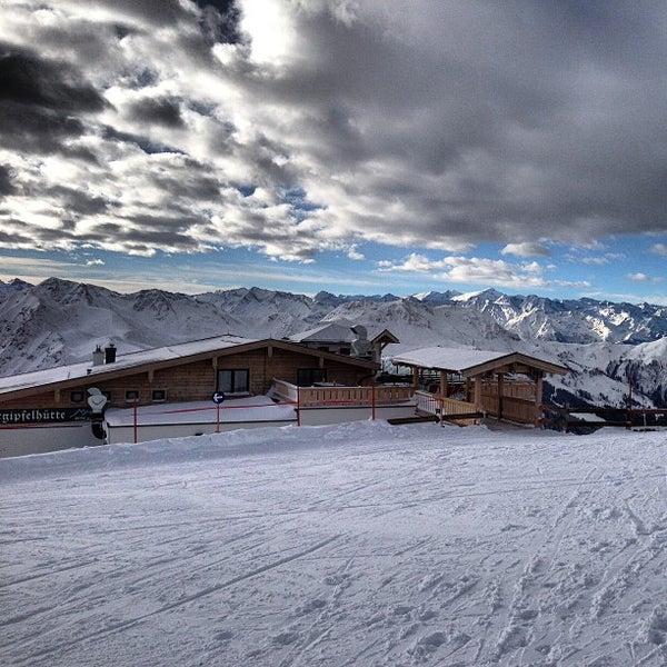 Das Foto wurde bei Westgipfelhütte von Julian P. am 2/24/2013 aufgenommen