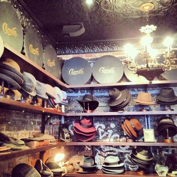 Снимок сделан в Goorin Bros. Hat Shop - West Village пользователем Joseph D. 2/8/2014