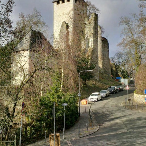 burg sonnenberg castle in wiesbaden. Black Bedroom Furniture Sets. Home Design Ideas