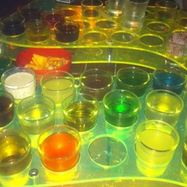 8/28/2013 tarihinde M.TaŞKIN™🔊🏃💰¿! G.ziyaretçi tarafından Up Shot Bar'de çekilen fotoğraf