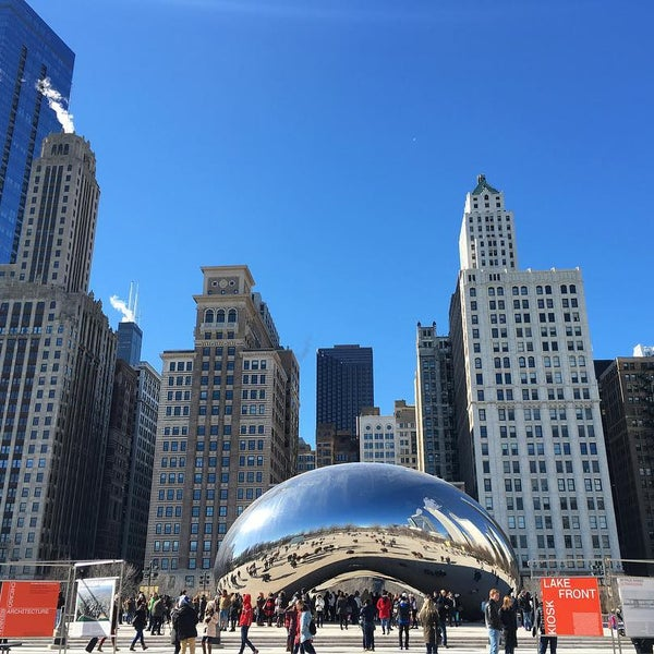 Photo taken at Cloud Gate by Anish Kapoor by Jessica H. on 2/13/2016