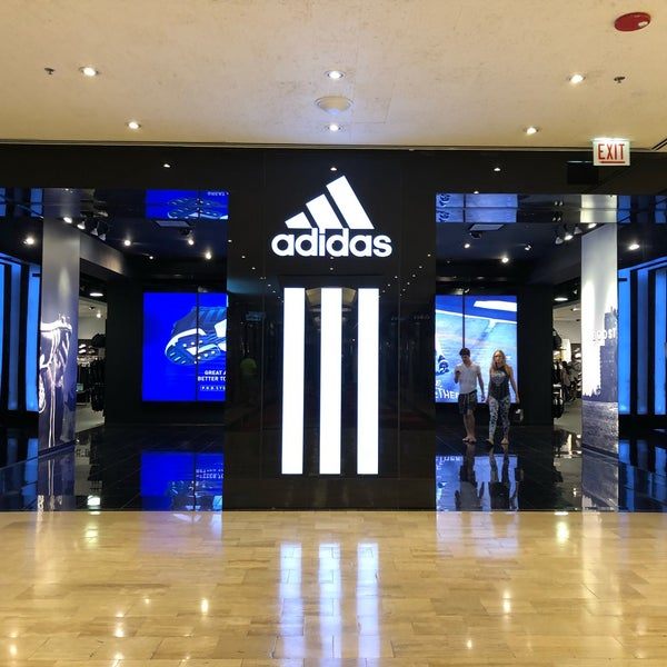 Adidas sport spettacolo streeterville 845 n michigan ave ste 409