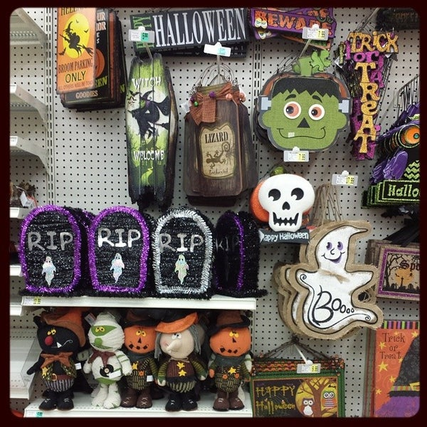 photo taken at ac moore arts crafts by michelle erica g on 7
