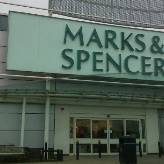 รูปภาพถ่ายที่ Parkgate Shopping Centre โดย Amy B. เมื่อ 5/20/2013