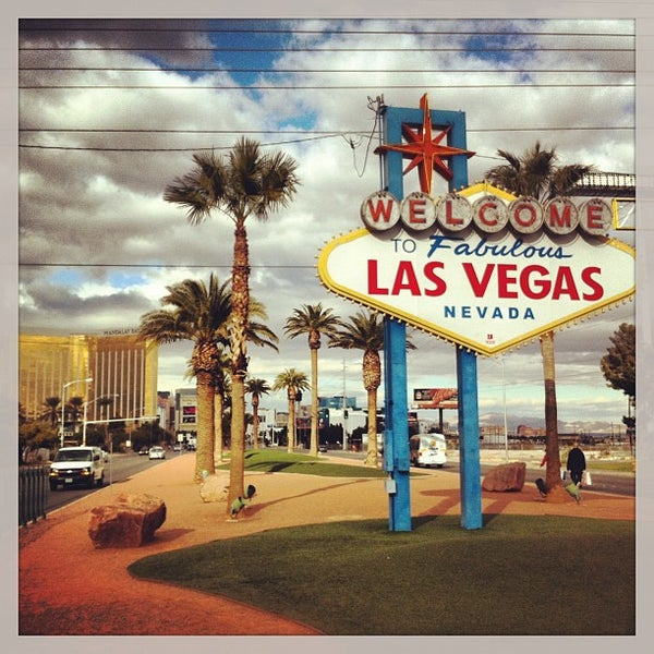 Photo taken at Welcome To Fabulous Las Vegas Sign by Артём М. on 12/26/2012