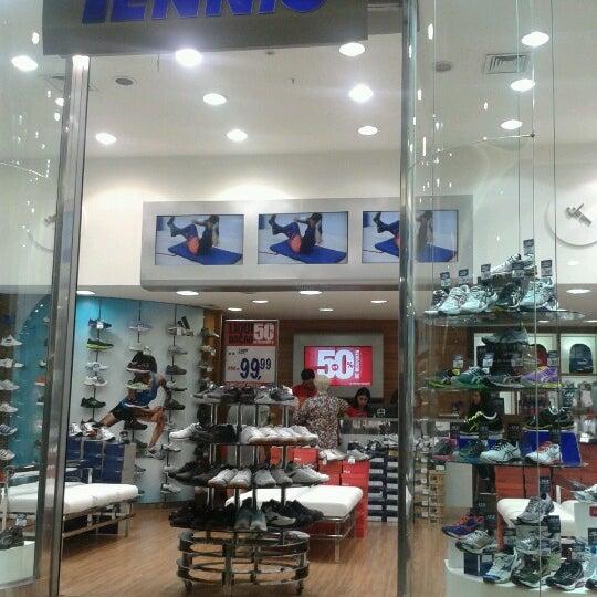Foto tirada no(a) JL Shopping por Fernando S. em 10/26/2012