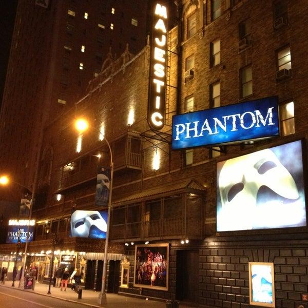 Foto tirada no(a) Majestic Theatre por Fábio T. em 1/4/2013