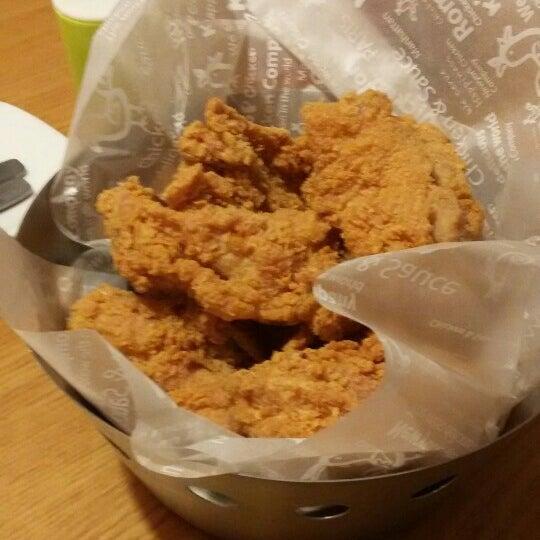 Photo taken at K'Pop Chicken by Lilian K. on 5/29/2016