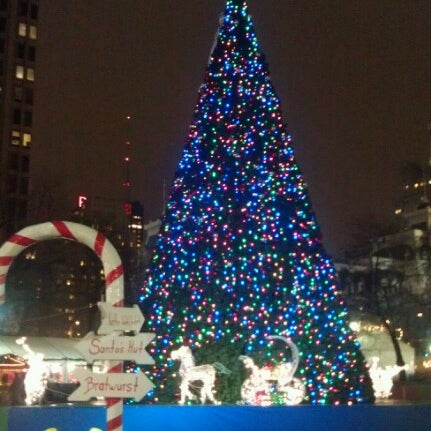 Das Foto wurde bei Christmas Village von Ed B. am 12/7/2012 aufgenommen