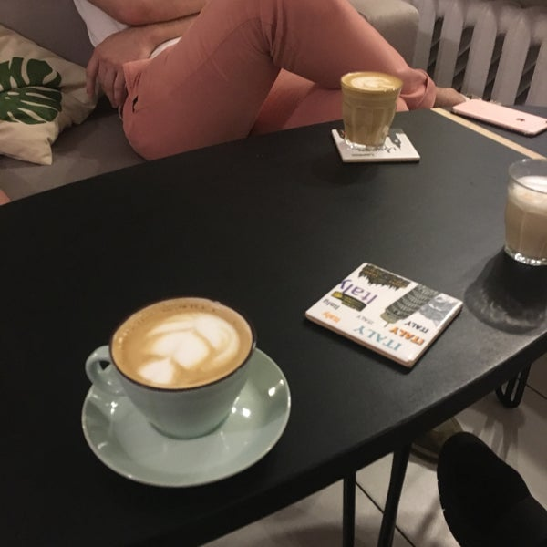 Снимок сделан в First Point Espresso Bar пользователем Misha S. 5/13/2017