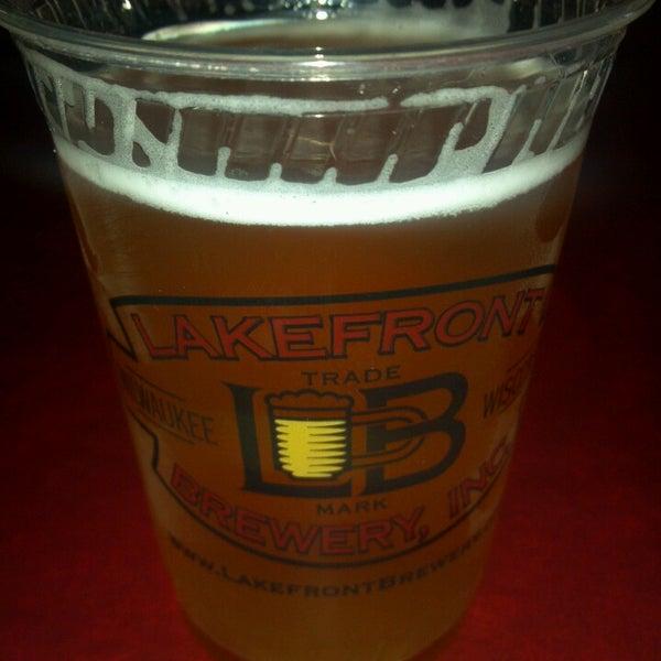 Photo prise au Lakefront Brewery par Peggy K. le4/14/2013
