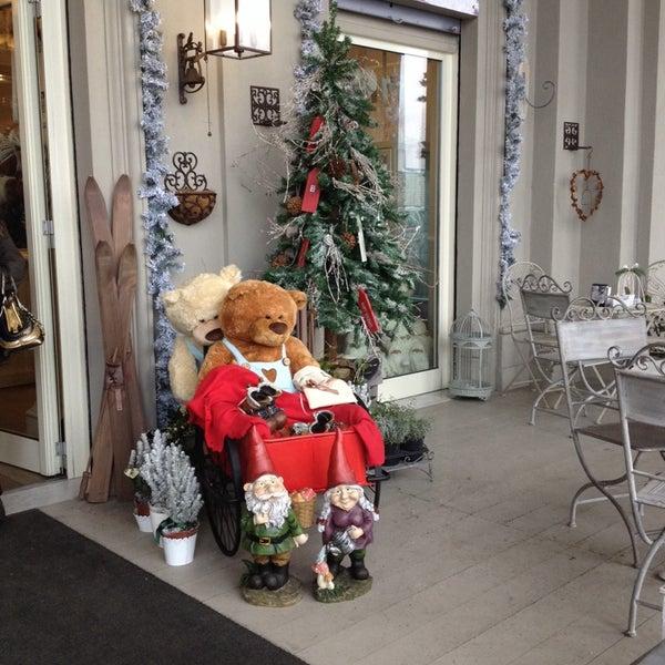 12/12/2013에 Livia B.님이 Antonella Dolci e Caffé에서 찍은 사진