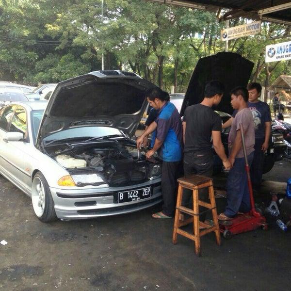 Photo taken at Pasar Mobil Kemayoran by cenno c. on 6/22/2016