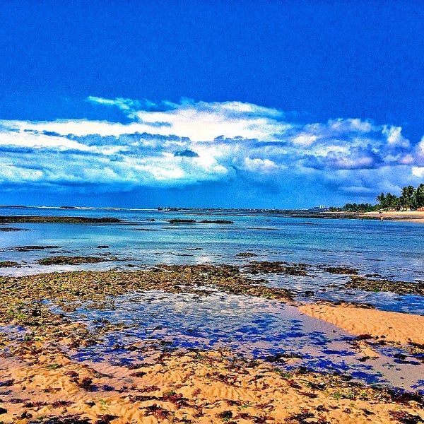 Foto tirada no(a) Praia da Garça Torta por Rafael F. em 12/29/2012