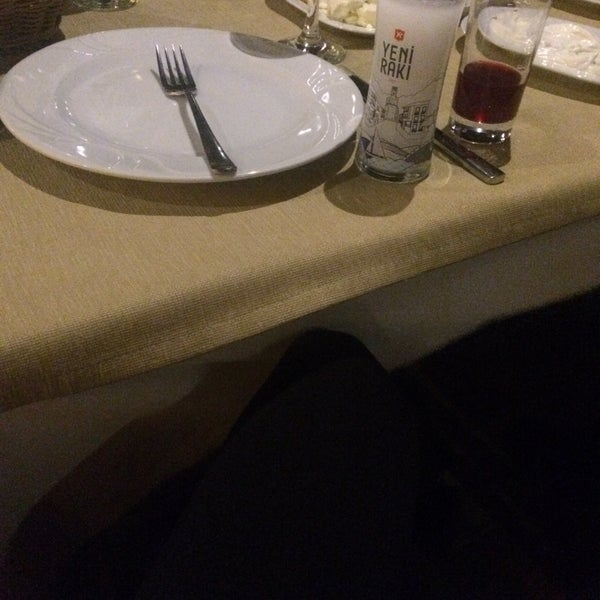 Photo taken at Körfez Aşiyan Restaurant by 🇹🇷Ayse S. on 11/19/2017