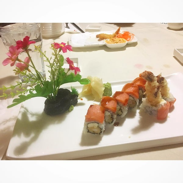 Photo taken at Feng Japanese Steak, Hibachi & Sushi House by Sarah W. on 12/4/2016