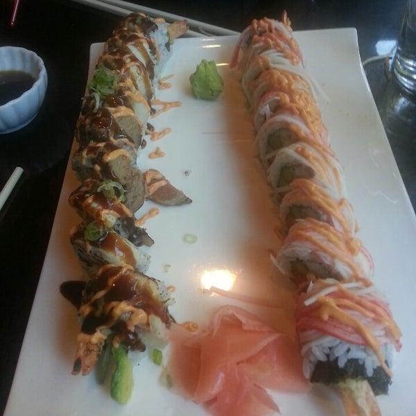 Photo prise au Sushi O Bistro par Jessica R. le11/14/2013