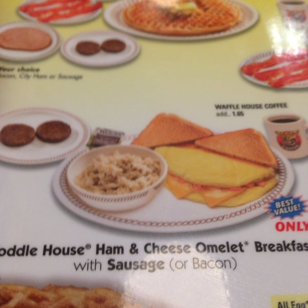 Photo taken at Waffle House by Kevin P. on 5/26/2014