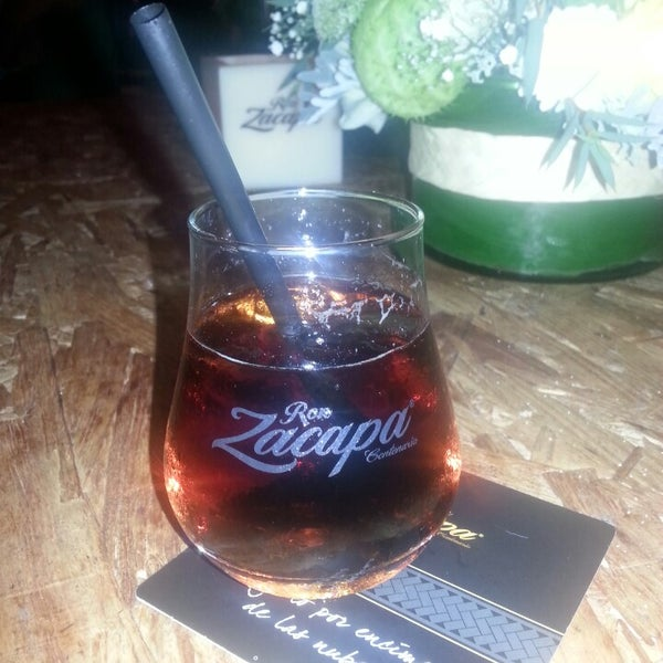 Zacapa room cocktail bar in polanco for Food bar zacapa